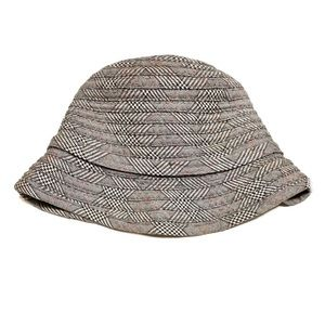 H&M black/red/white houndstooth plaid bucket hat